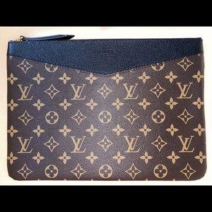 Louis Vuitton Bags - Louis Vuitton - Monogram Daily Pouch